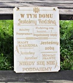 zawieszka W TYM DOMU napis TABLICA drewniana