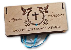 Pudełko komunijne na pieniądze życzenia PIERWSZA KOMUNIA ŚWIĘTA drewniane etui koperta grawer