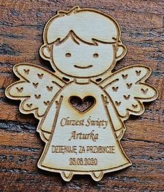 Magnes aniołek podziękowanie dla gości chrzest komunia roczek urodziny drewniany grawer magnesy chłopiec